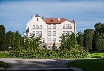 Koulupuisto & Pietarsaaren lukio